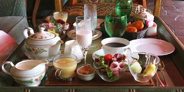 ホテル朝食会